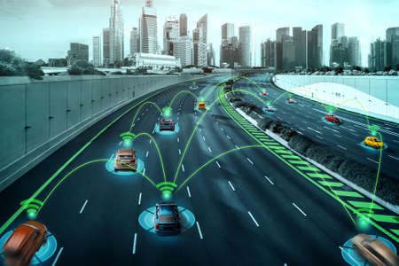 Autonomous car sensor system concept for safety of driverless mode car control . Future adaptive cruise control sensing nearby vehicle and pedestrian . Smart transportation technology . Banque d'images