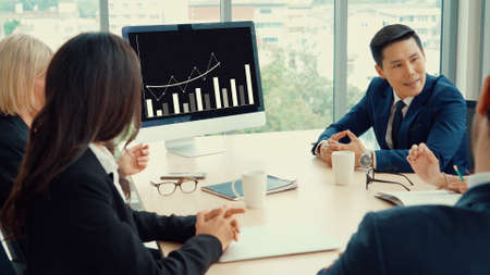 Business visual data analyzing technology by creative computer software . Concept of digital data for marketing analysis and investment decision making . 免版税图像
