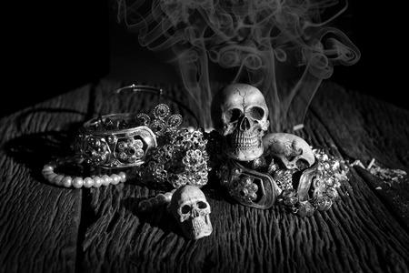 worst: Skulls with treasures Still life