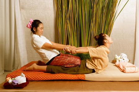 Spa en massage: Thaise massage en spa voor genezing en ontspanning