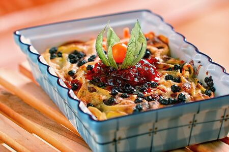 quark: Baked pasta with quark and cranberries