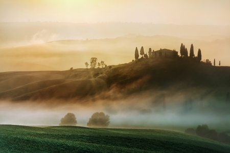 san quirico dorcia: Early morning on countryside, San Quirico d�Orcia, Tuscany, Italy