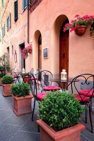 Typical small cafe in Tuscany, Italy Standard-Bild