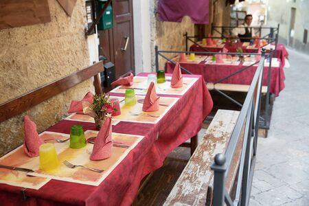 Wolterra - exterior comedor rincón en la Toscana, Italia