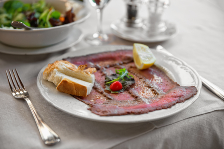 thinly: Well roast beef thinly sliced