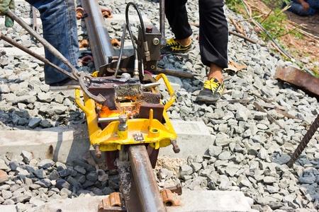 Welding tracks