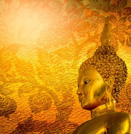 buddha tranquil: Buddha gold statue on golden background patterns Thailand.