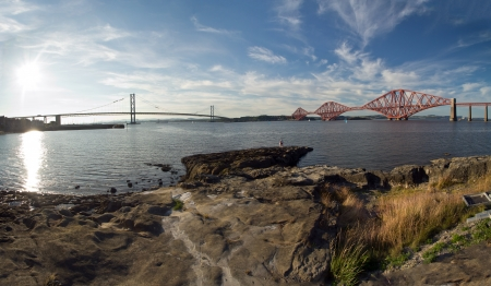 Schottland, Forth Road Bridge und Forth Railway Bridge photo