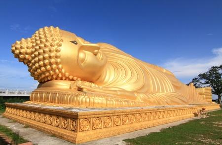 smiling buddha: Reclining Buddha Statue, Southern of Thailand