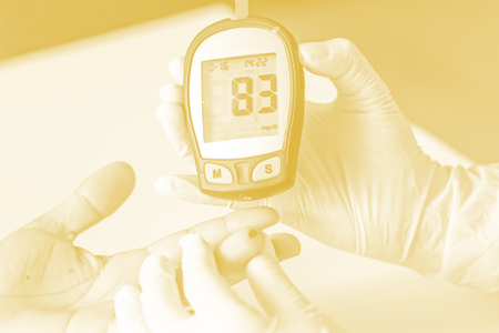 hyperglycemia: blood glucose meter, the blood sugar value is measured on a finger