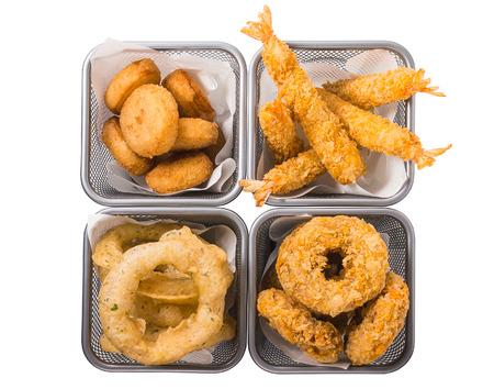 cebolla blanca: Mejillones, camarones, anillos de cebolla, anillos de calamares, patatas fritas profundas