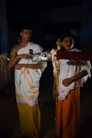 palanquin: GOKARNA, INDIA - MARCH 27, 2009: Unidentified Indian brahmin boys assist the blessing of a residence by carrying a palanquin during a monthly hindu ceremony on March 27, 2009 in Gokarna, India