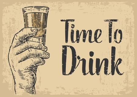 Mannelijke hand die een schot van alcohol drinken. hand getrokken ontwerp element. graveren stijl. vector illustratie. Uitnodiging voor een partij - de tijd om te drinken. Uitstekende achtergrond oud bruin papier.