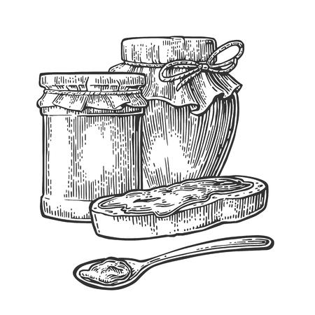 Jar, cuillère et tranche de pain avec de la confiture. Isolé sur fond blanc. Vector illustration noir de gravure pour le menu