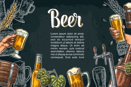 Zestaw piwa z kranem, klasa, puszka, butelka i zbiorniki z fabryki browaru.
