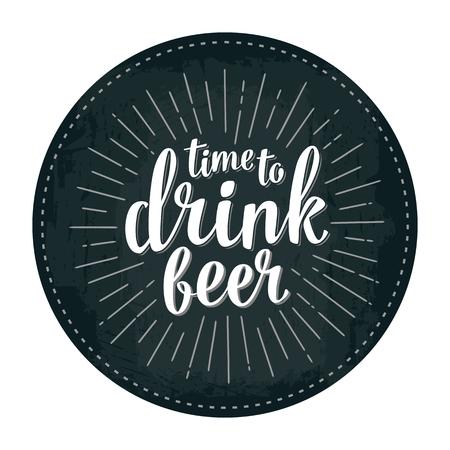 Craft Bier lettering met stralen. Vector vintage gravure illustratie