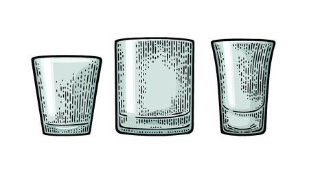 空になったグラスのウォッカ、ウイスキー、ラム酒、テキーラ。ベクトル黒ビンテージ彫刻は、白い背景で隔離。手描きのイラスト。