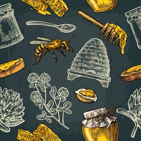 Seamless Pattern with honey, bee, hive, clover, spoon, cracker, bread and honeycomb. Vectores