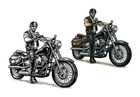 Homme au casque de moto et lunettes chevauchant un vélo chopper classique. Vue de côté. Vintage de gravure de couleur de vecteur isolé sur fond blanc. Pour poster et t-shirt biker club