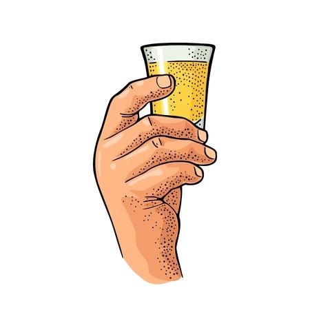 Tequila di vetro della tenuta della mano maschio. Colore vintage e illustrazione di incisione vettoriale monocromatica per etichetta, poster, invito alla festa. Isolato su sfondo bianco Vettoriali