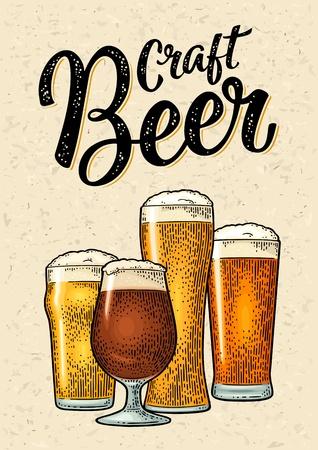 Verre avec différents types de bière - lager, ale. Gravure couleur vintage