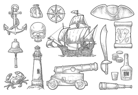 Piratenabenteuer einstellen. Anker, Rumflasche, Kanone, Dreispitz, Rad, Geldbeutel, Münzen, Schädel, Säbel, Karavelle, Kompass, Fernglas, Leuchtturm einzeln auf weißem Hintergrund. Vektor schwarze Vintage-Gravur