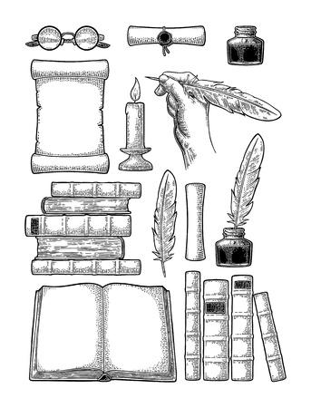 Impostare l'istruzione. Calamaio, pila di libri antichi, rotolo con sigillo, mano che tiene piuma d'oca, bicchieri, candela. Isolato su sfondo bianco. Illustrazione di incisione vintage nera vettoriale