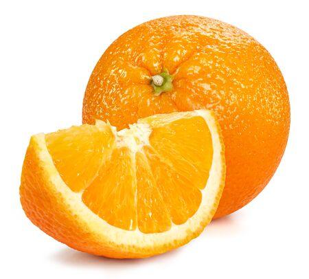 Frutti arancio isolati su bianco