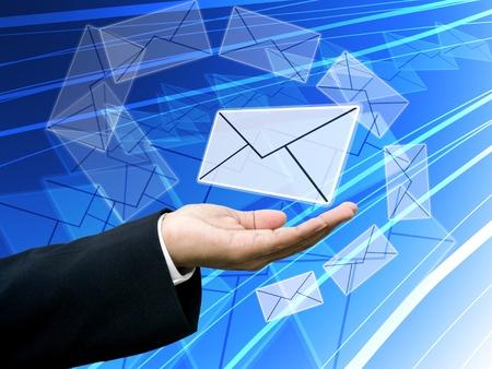 Zakenman krijgt het nieuws, e-mail nieuws begrip Stockfoto