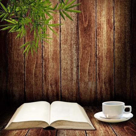 Lees en schrijf met kopje koffie