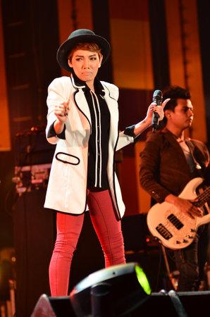 NONTABURI, THAILAND  - OCTOBER 4 : Da Endorphine singer singing in Grammy Wonderland concert on 4 October 2012 at IMPACT Challenger, Nontaburi, Thailand Stock Photo - 15650254