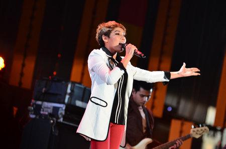 NONTABURI, THAILAND  - OCTOBER 4 : Da Endorphine singer singing in Grammy Wonderland concert on 4 October 2012 at IMPACT Challenger, Nontaburi, Thailand Stock Photo - 15699035
