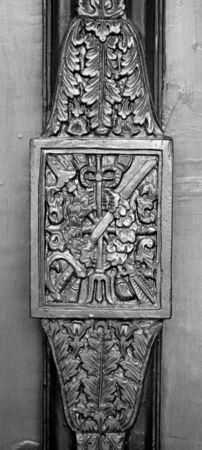 ancient tradition: Tallas patr�n tradici�n antigua en la empu�adura de la puerta, Tailandia