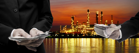 palmy: Make money from oil refinery business concept Stock Photo