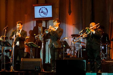 """clarinete: Chonburi, Tailandia - 27 de noviembre: banda de jazz Minions realizar en """"Jazz en la memoria en Bangsaen"""" el 27 de noviembre de 2016 Bangsaen, Chonburi, Tailandia Editorial"""