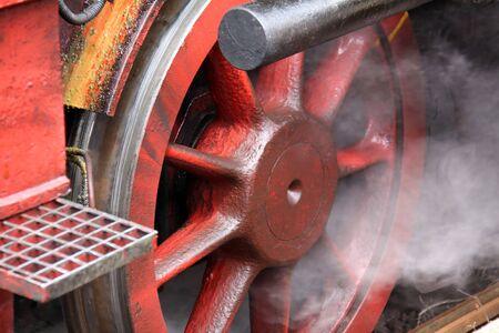 Rad einer Dampflok photo