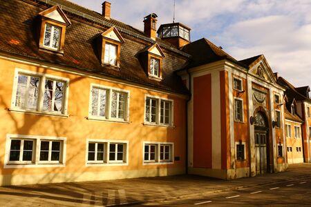 Der alte Reitstall in Donaueschingen im Schwarzwald Standard-Bild - 94737969