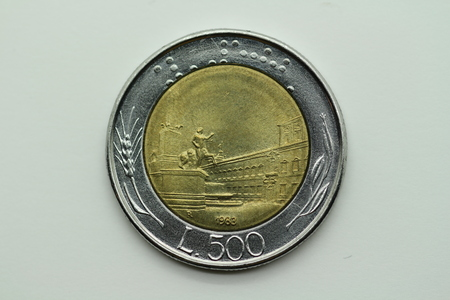 Front of the former 500 lira coin from Italy Stok Fotoğraf