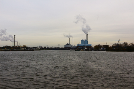 View of the Bay of Billwerder in the Rothenburgsort district of Hamburg Standard-Bild