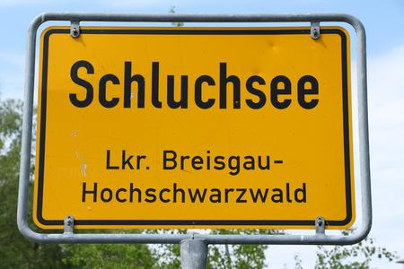 Entrance sign of Schluchsee in the Hochschwarzwald Standard-Bild