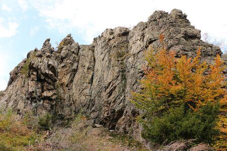 View of the Bruchhauser stones in the Hochsauerland Standard-Bild - 133052931