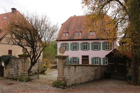 Historic buildings in the old town of Bad Wimpfen Foto de archivo - 135373741