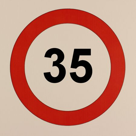 Graphic display of the road traffic sign maximum speed 35 km / h