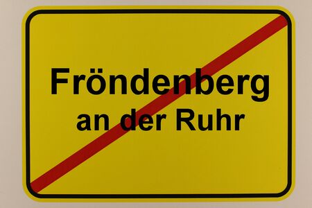 Illustration of the city exit sign of the city Fr?ndenberg in the Ruhr valley Standard-Bild