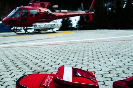 emergencia: bolsas de emergencia para helic�ptero de rescate
