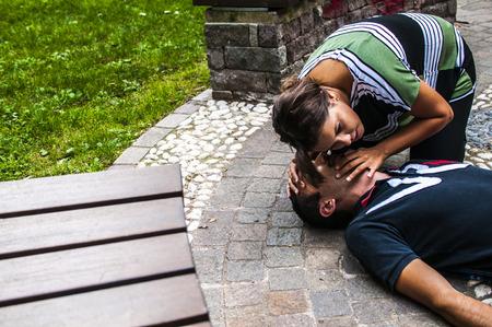 altruismo: La reanimación cardiopulmonar con la RCP y desfibrilador