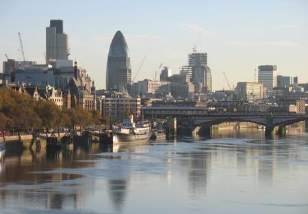 London skyline photo