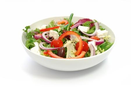 plato de ensalada: Ensalada griega  Foto de archivo