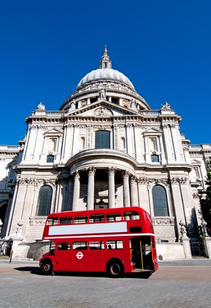 St Pauls and London bus Stock Photo - 15713093