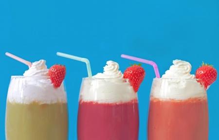 Milkshake smoothies Stock Photo - 16492213